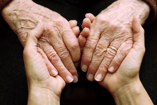 Tca-advice-on-how-to-care-for-elderly-parents-20160330