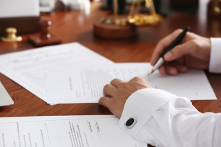 Notary-public-in-office-signin